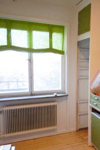 Ombyggd överfalsad lucka för att ge plats för högre kyl.