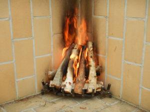 Elden får bra fart med en eldrist som låter syre komma in under bränslet.