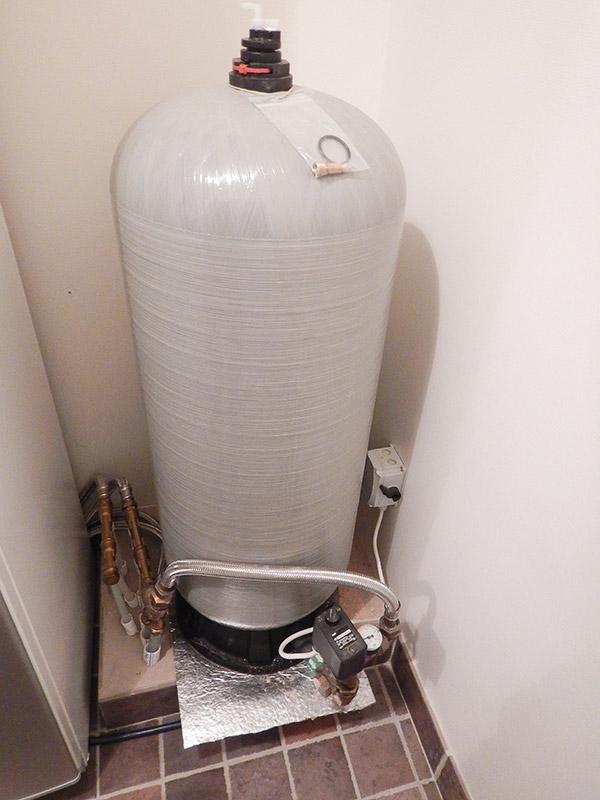 Vattenpump med hydrofor.